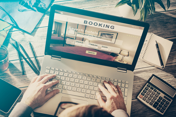 10 Considerations When Booking Accommodations Online