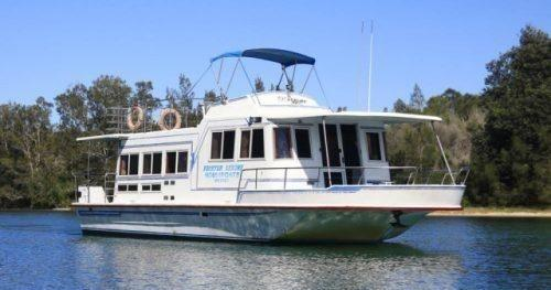 4 Things to Consider Before You Rent a Houseboat